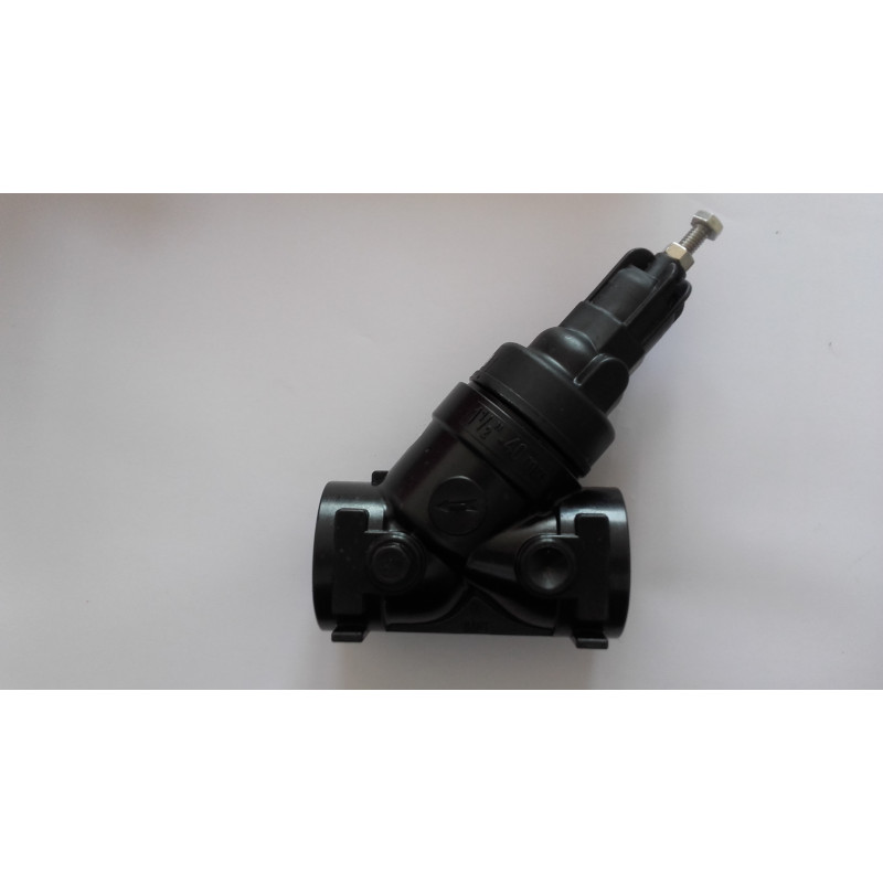 """Régulateur plastique 1""""1/2 FF ressort noir (1.5-3.5 B) débit 0.45 à 18 m3/h"""